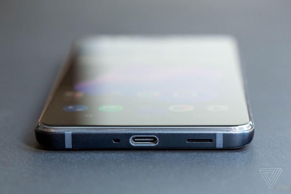 HTC U12 3 - اچ تی سی یو 12 پلاس بدون بریدگی نمایشگر و دکمه فیزیکی رسما معرفی شد!