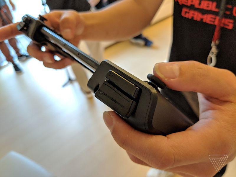 Asus ROG Phone 13 - گوشی مخصوص بازی ایسوس راگ (ROG Phone) با نمایشگر 90 هرتز، اسنپدراگون 845 به فرکانس 2.9 گیگاهرتز و داک های مخصوص معرفی شد