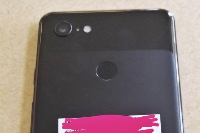 آیا گوگل پیکسل ۳ ایکس ال (Pixel 3 XL) یک دوربین دارد؟