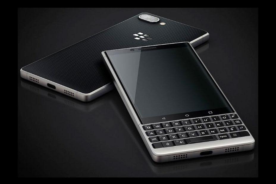 تست مقاومت بلک بری کی 2 (BlackBerry Key 2)