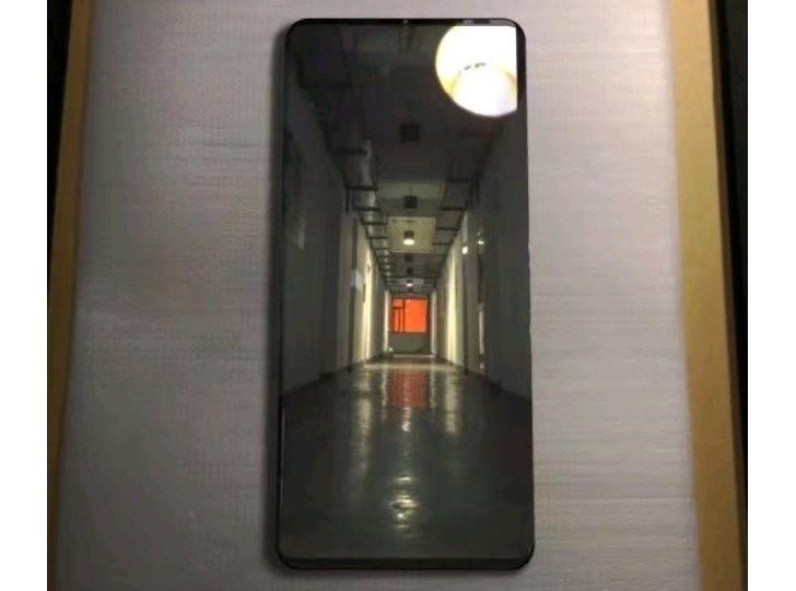 تصویری از هوآوی میت 20 پرو (Mate 20 Pro) لو رفت