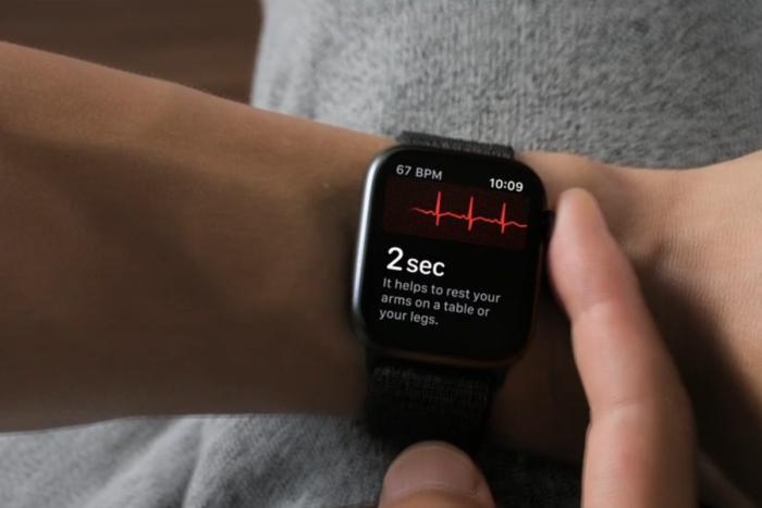 ECG اپل واچ