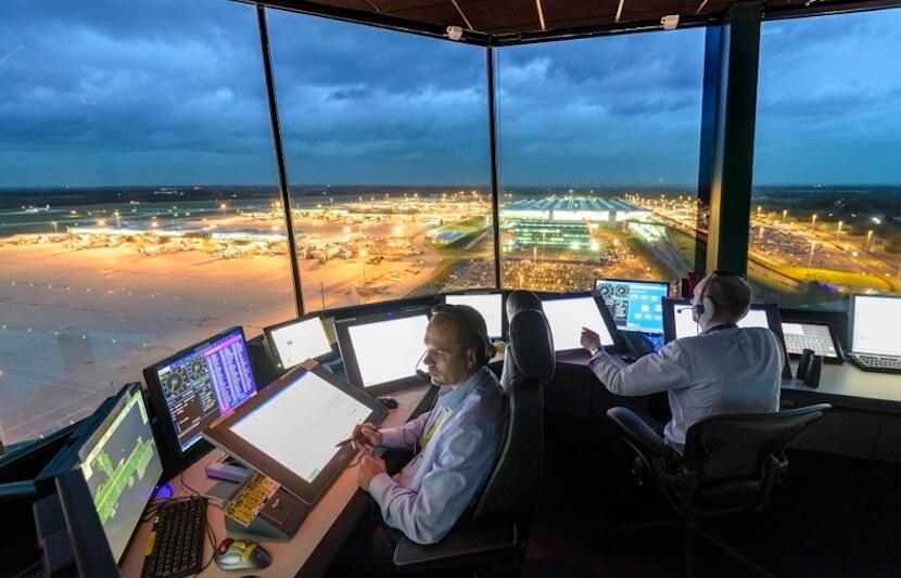کنترل کننده ترافیک هوایی