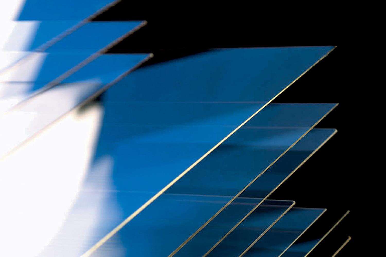 کورنینگ (Corning) در تلاش برای ساخت شیشه گوریلا گلس منعطف است