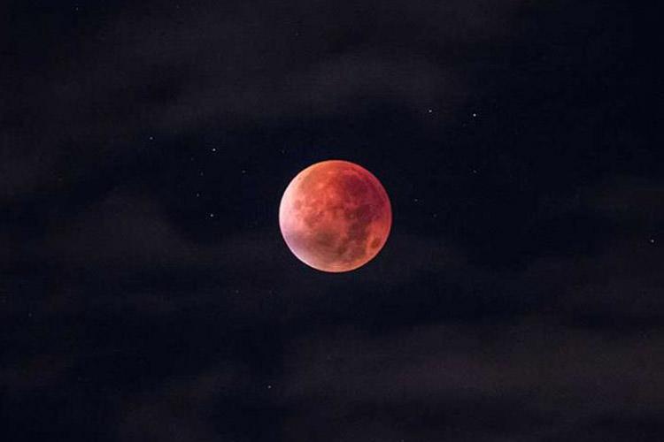 آغاز اولین ماه گرفتگی خونین سال ۲۰۱۹