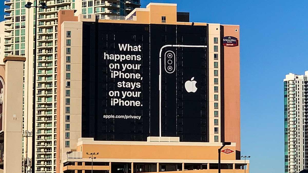 بیلبورد تبلیغاتی اپل بیرون نمایشگاه CES 2019 با تمرکز بر مباحث حریم خصوصی