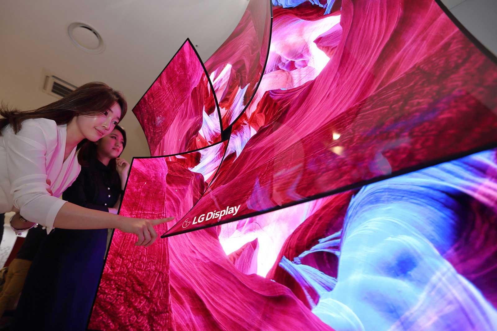 تلویزیون 8K OLED ال جی با بلندگوی یکپارچه با نمایشگر