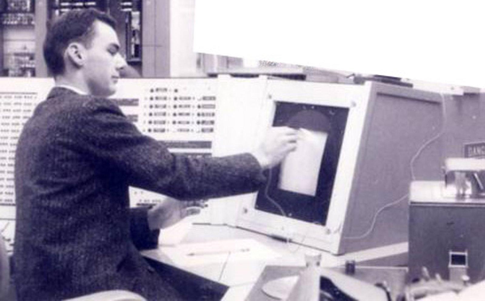 لری رابرتز، یکی از پیشروهای توسعه اینترنت درگذشت