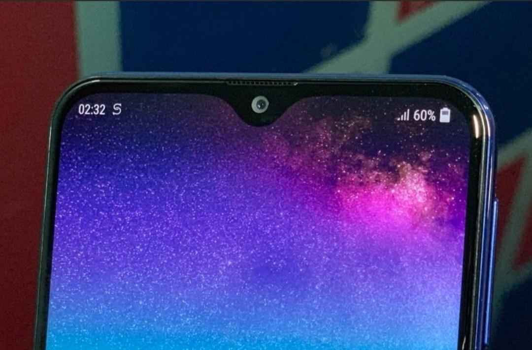 گلکسی ای ۵۰ (Galaxy A50) با دوربین سه گانه و بریدگی نمایشگر قطره طور ارایه می شود
