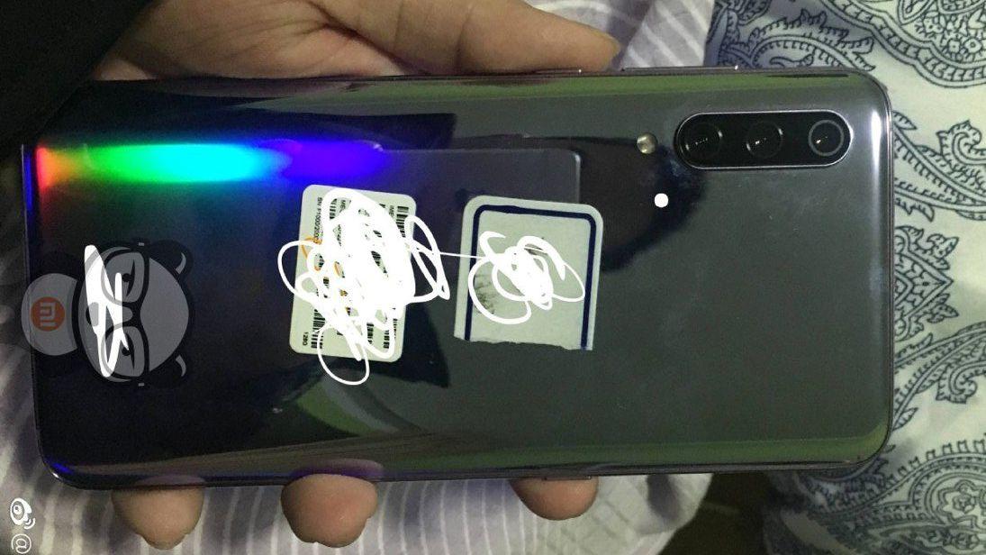 شیائومی می ۹ (Mi 9) با دوربین سه گانه ۴۸ مگاپیکسلی لو رفت