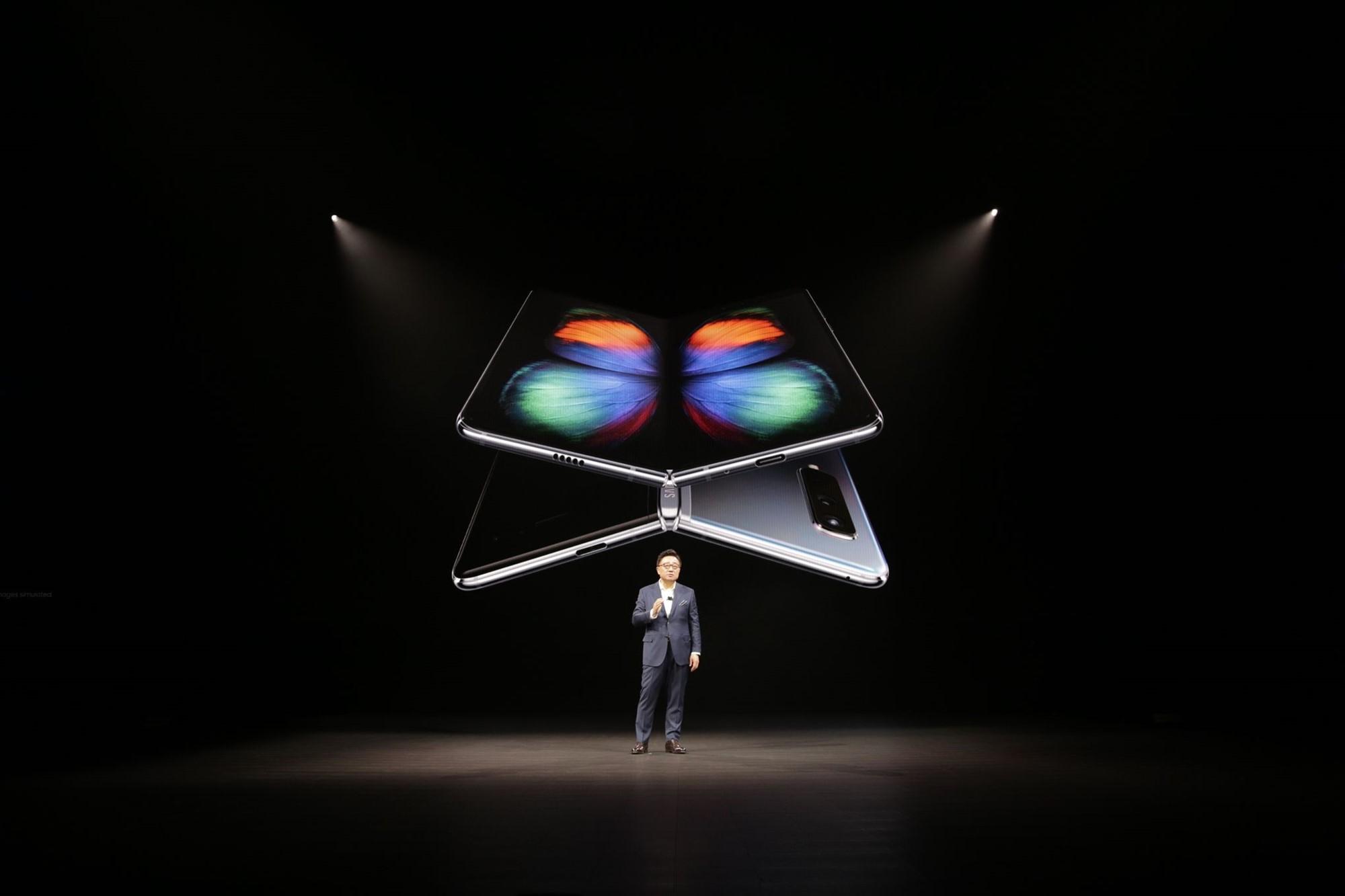 موبایل تاشو سامسونگ گلکسی فولد (Galaxy Fold) رسما معرفی شد