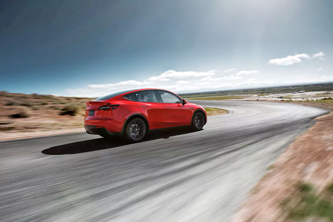 خودرو برقی تسلا مدل Y با قیمت پایه ۳۹ هزار دلار رسما معرفی شد