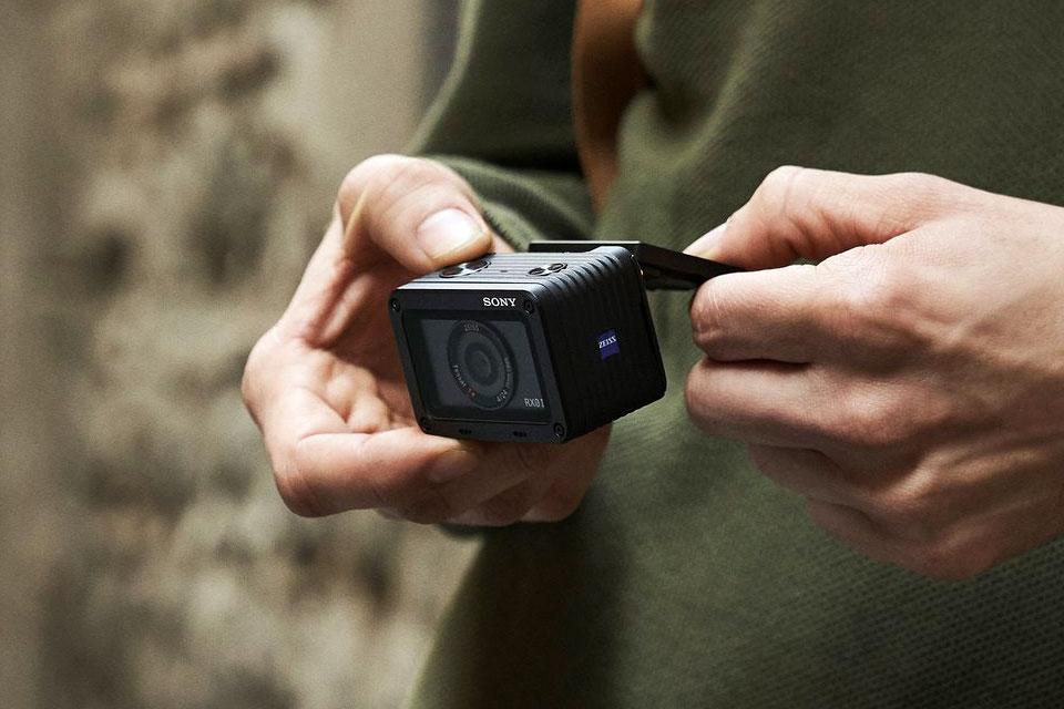 اکشن کم سونی RX0 II با نمایشگر بازشو و قیمت ۷۰۰ دلار رسما معرفی شد