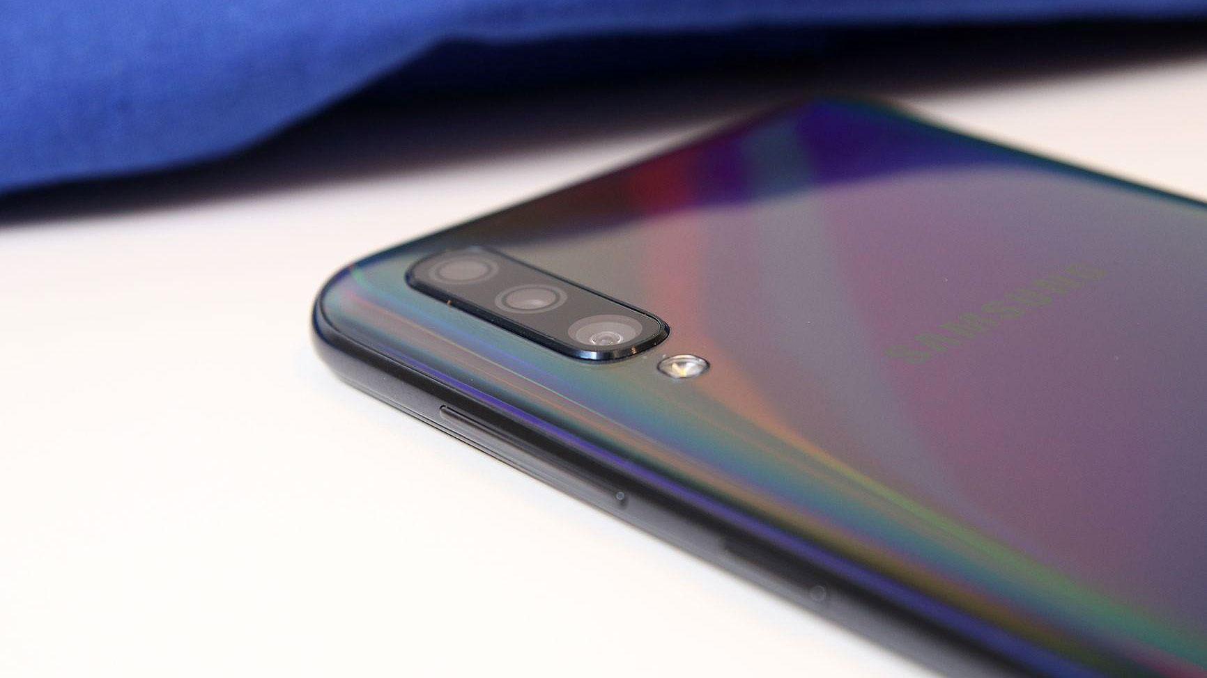 مشخصات گلکسی ای ۶۰ (Galaxy A60) لو رفت: دوربین سه گانه ۳۲ مگاپیکسلی با نمایشگر ۶.۷ اینچی