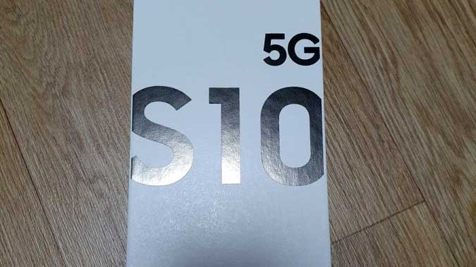 شارژر سریع ۲۵ واتی سامسونگ همراه گلکسی اس ۱۰ نسخه 5G ارایه می شود