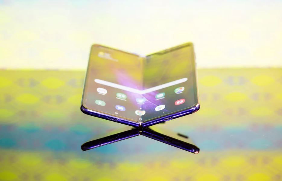 طراحی مجدد گوشی تاشو سامسونگ گلکسی فولد انجام و آماده عرضه است