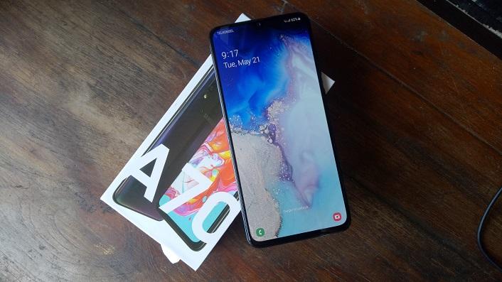 آپدیت سامسونگ گلکسی ای ۷۰ (Galaxy A70) ارایه شد: افزایش کیفیت دوربین و عملکرد حسگر اثرانگشت یکپارچه با نمایشگر