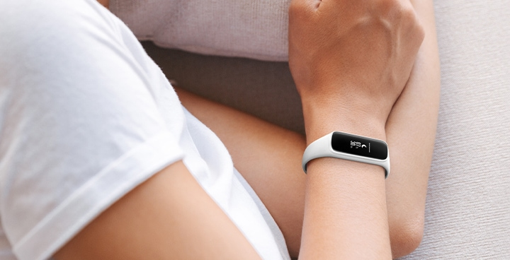 دستبند سامسونگ Galaxy Fit e