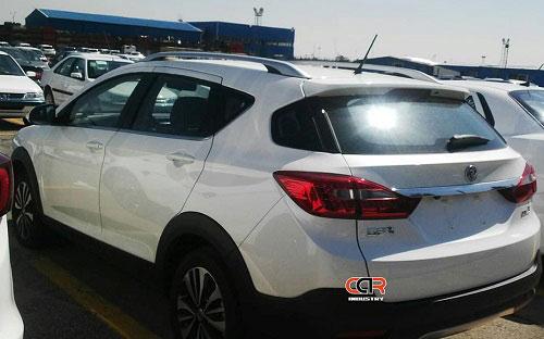 دانگ فنگ AX3 در محوطه ایران خودرو