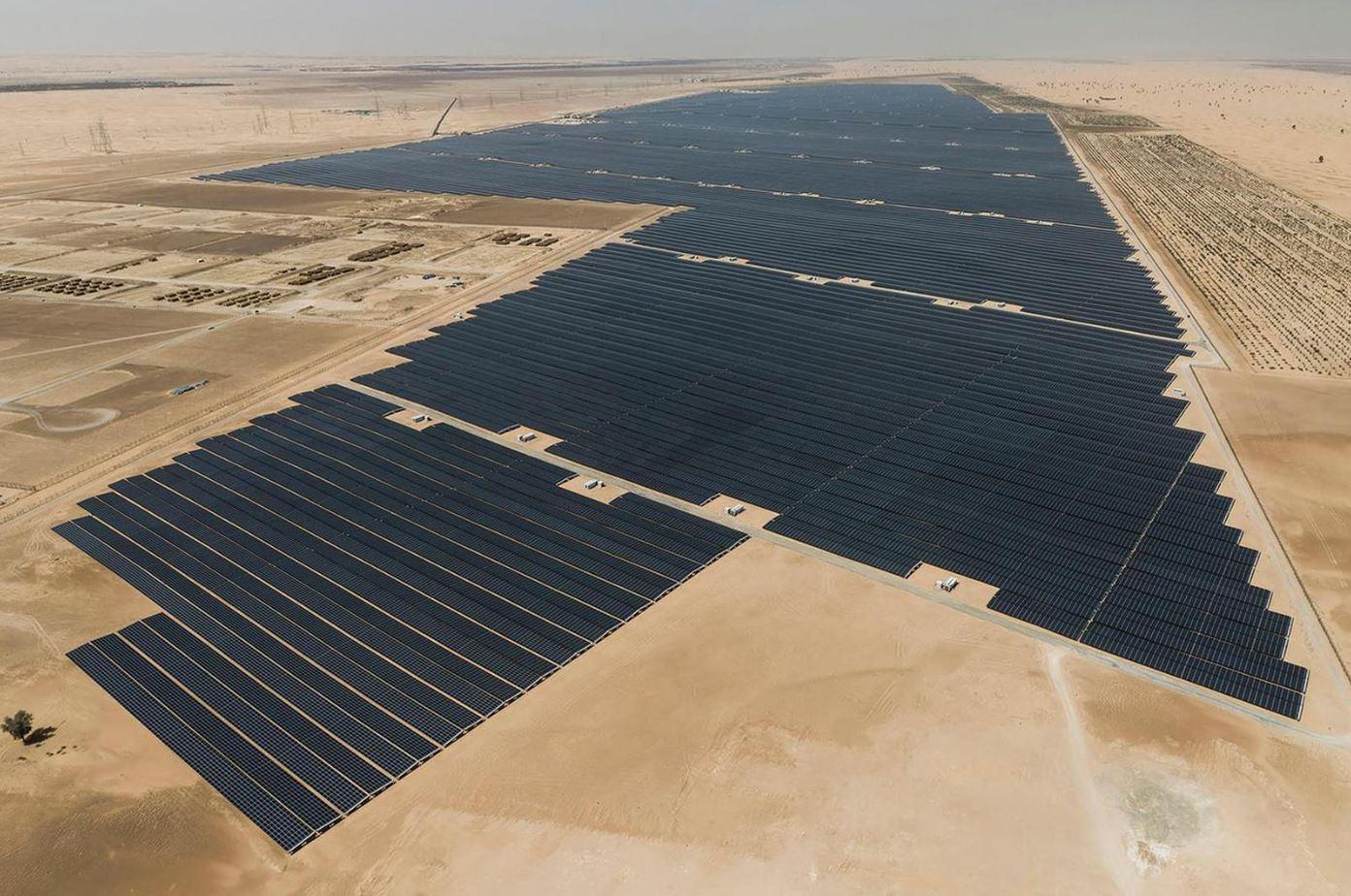 بزرگترین مزرعه خورشیدی جهان در امارات ۱.۲ گیگاوات افتتاح شد