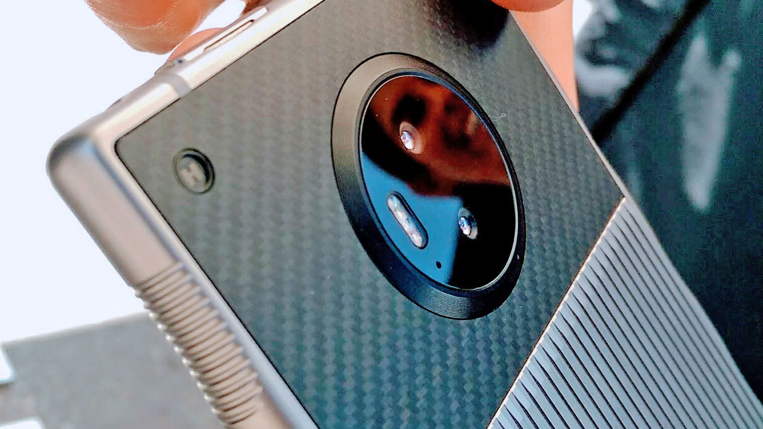 نسل بعدی گوشی Red با دوربین دوگانه توسط یک ODM دیگر ساخته می شود
