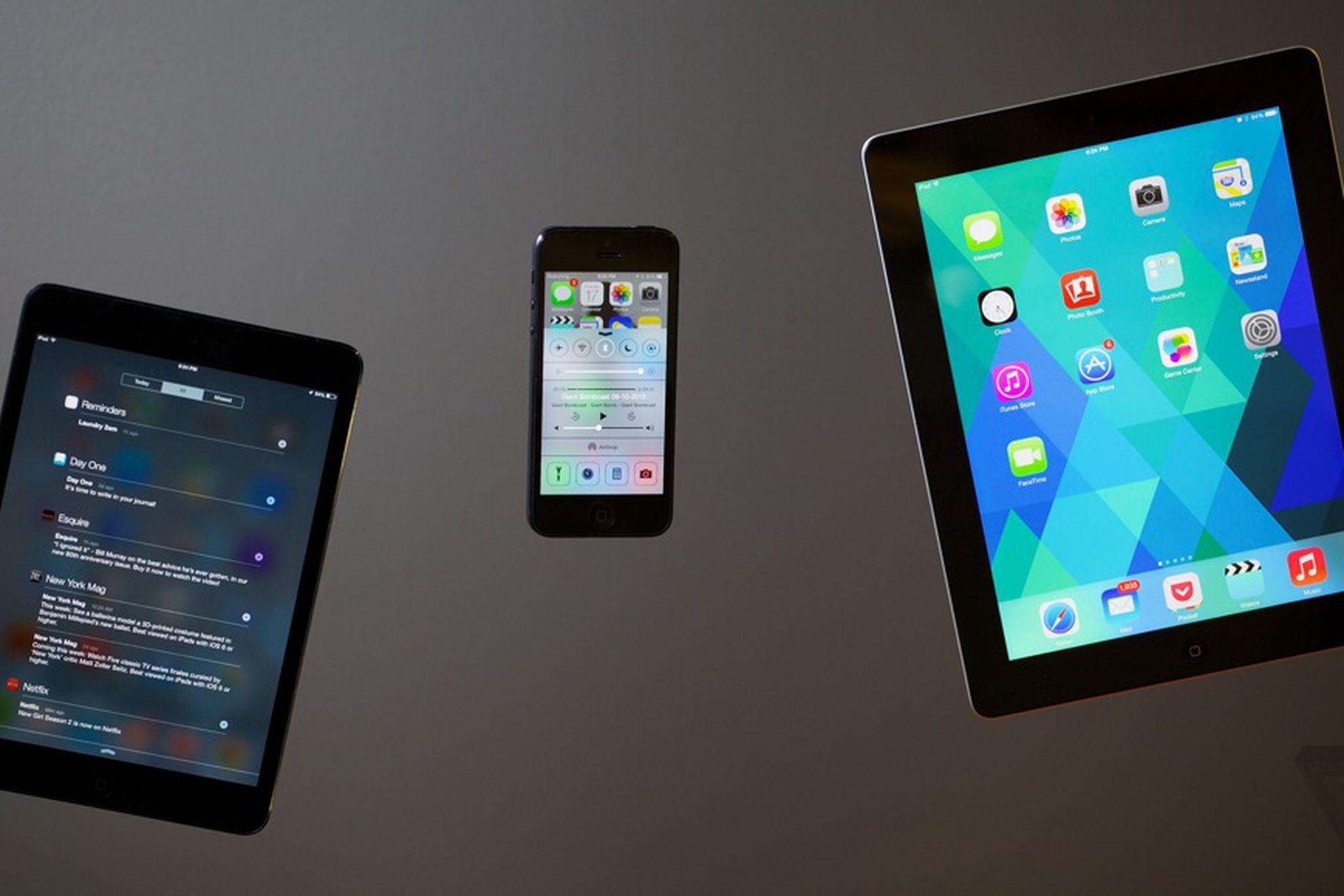 (iOS 7 (2013