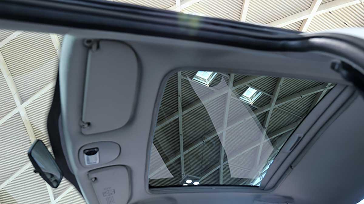 سقف شیشه ای پژو ۲۰۷