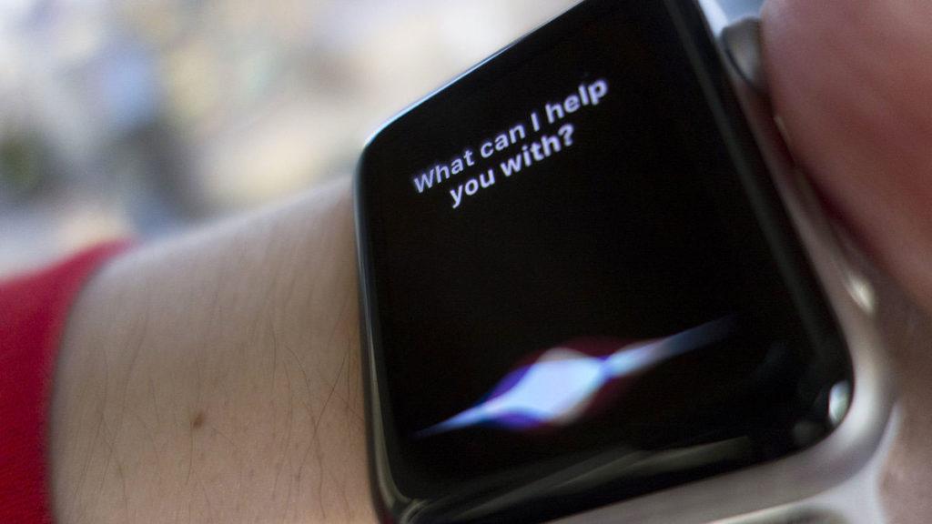 siri apple watch 100750309 large 1024x576 - دستیار هوشمند اپل یعنی سیری به مکالمات شما گوش می دهد و اپل این را می داند