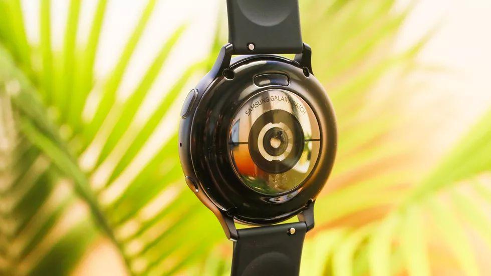 بازار ساعت های هوشمند رشد کمی تا سال ۲۰۲۵ خواهد داشت