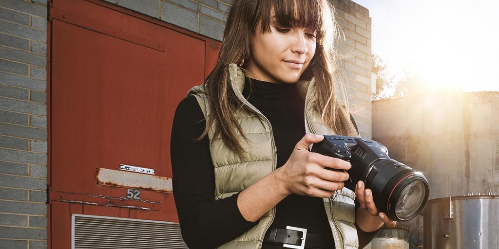 دوربین جیبی بلک مجیک با قابلیت فیلم برداری 6K را ببینید