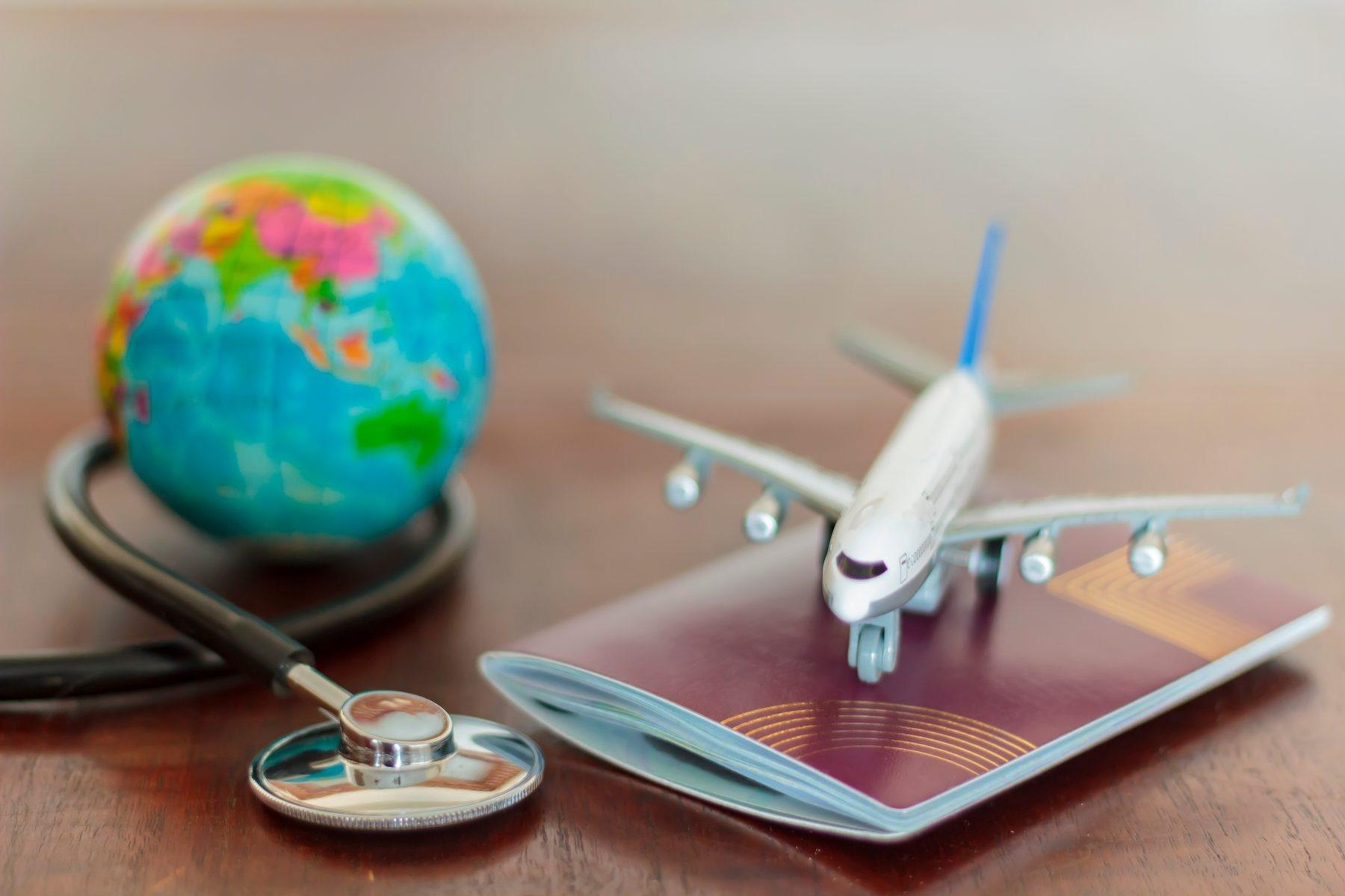 ۷ نکته حیاتی برای سلامت بدن در سفر هوایی