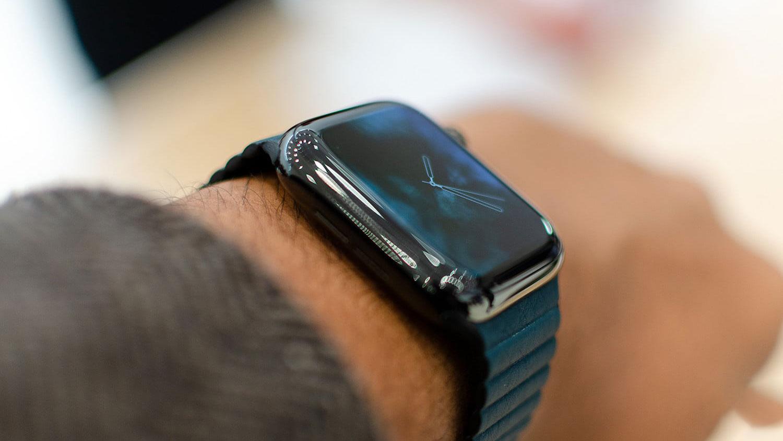 استیو وازنیاک می گوید اپل واچ استفاده او از آیفون رو کمتر کرده است