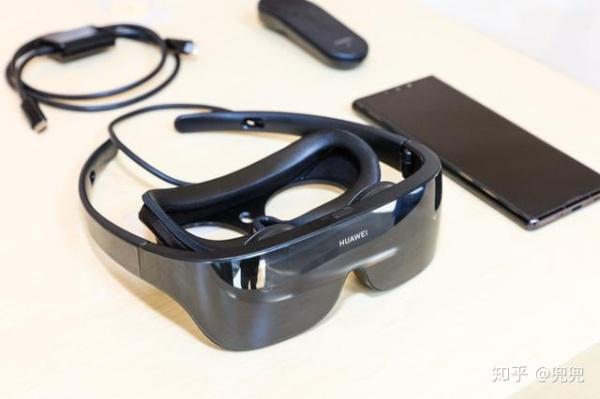 عینک واقعیت مجازی هواوی با قیمت ۴۲۴ دلار رسما معرفی شد