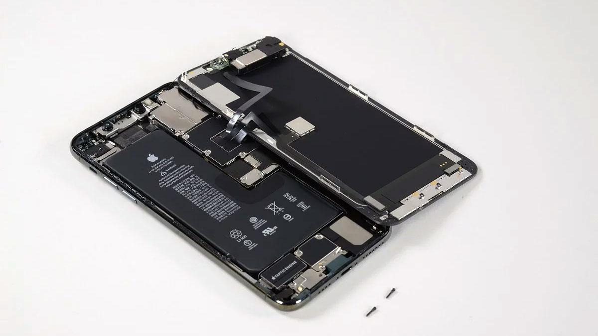 هزینه قطعات آیفون ۱۱ پرو مکس ۱۴۵۰ دلاری فقط ۴۹۰ دلار است