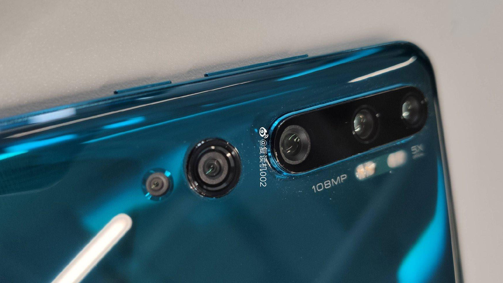 شیائومی می سی سی ۹ پرو با دوربین پنج گانه ۱۰۸ مگاپیکسلی و نمایشگر دولبه خمیده لو رفت