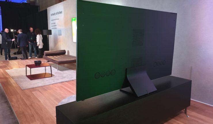 Q950 8K QLED TV