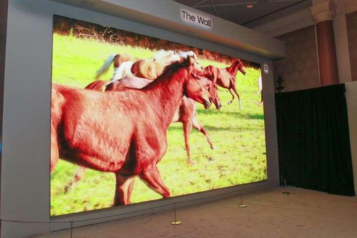 تلویزیون ۲۹۲ اینچی سامسونگ