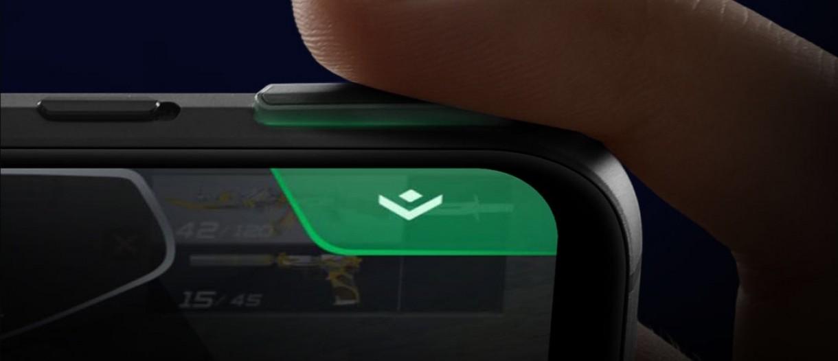 بلک شارک ۳ پرو با دکمه های جانبی پاپ آپ طور ارایه می شود