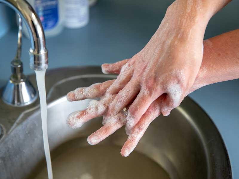 آموزش شستن دست ها