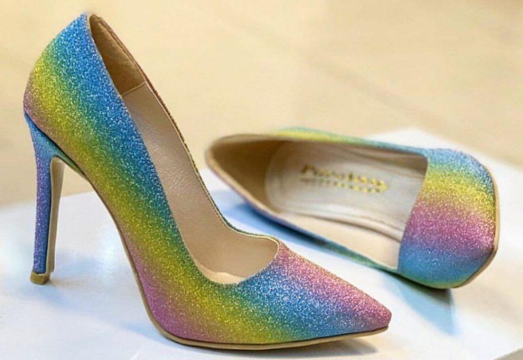نحوه صحیح خرید کفش پاشنه بلند زنانه