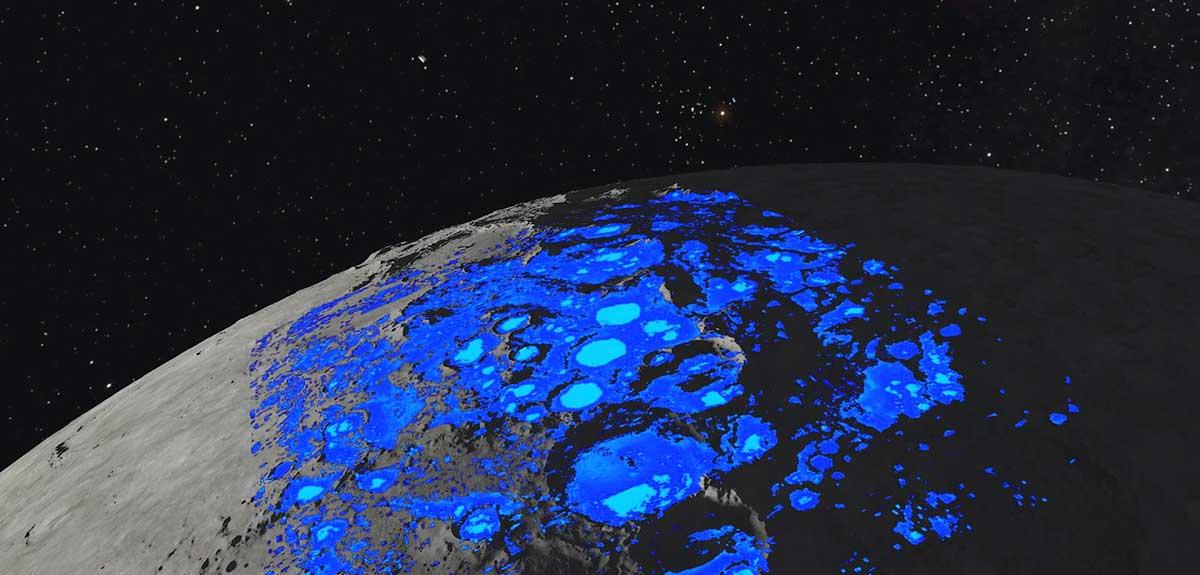 آب روی ماه