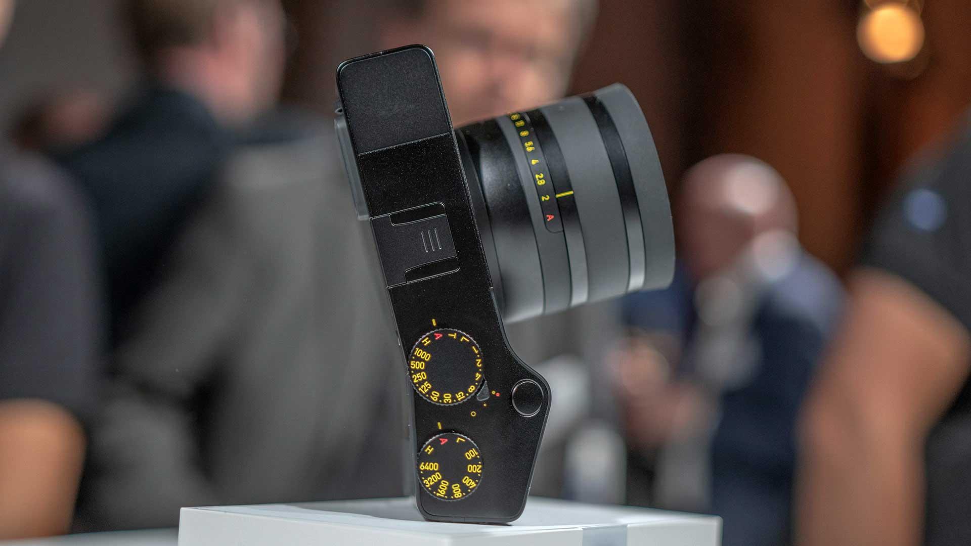دوربین فول فریم اندوریدی Zeiss ZX1 به قیمت ۶۰۰۰ دلار برای پیش خرید ارایه شد