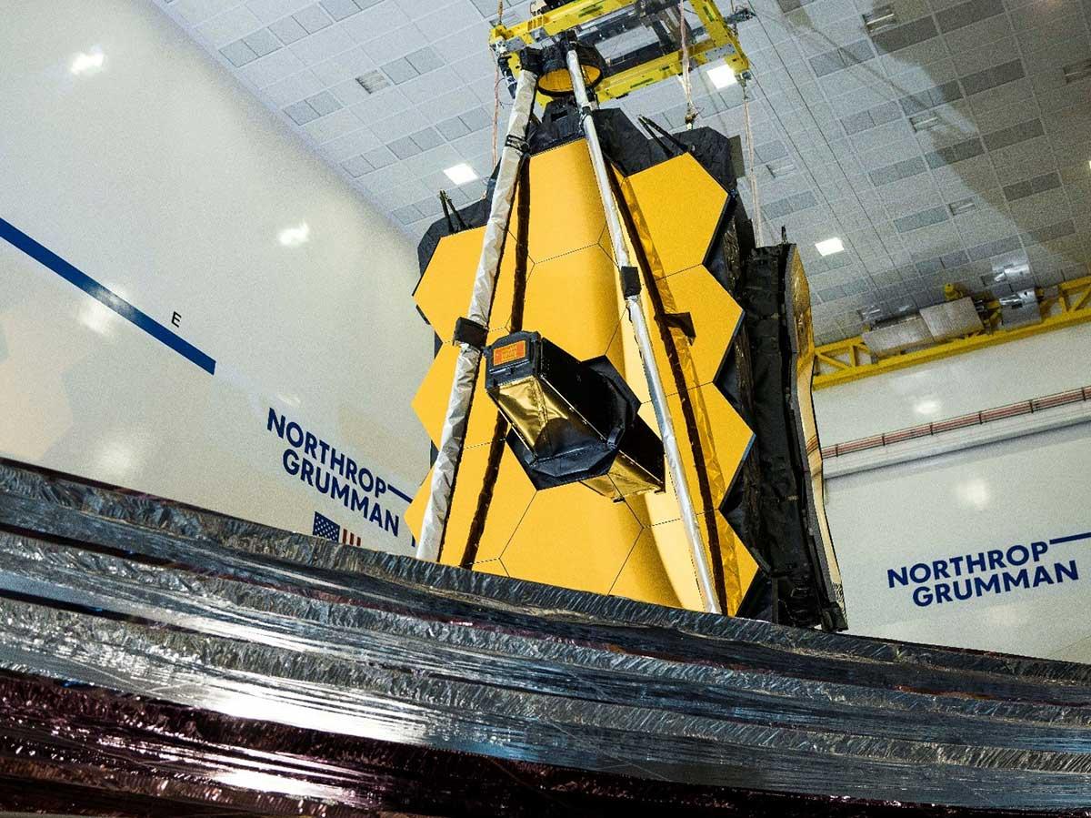سپر خورشیدی تلسکپ فضایی جیمز وب