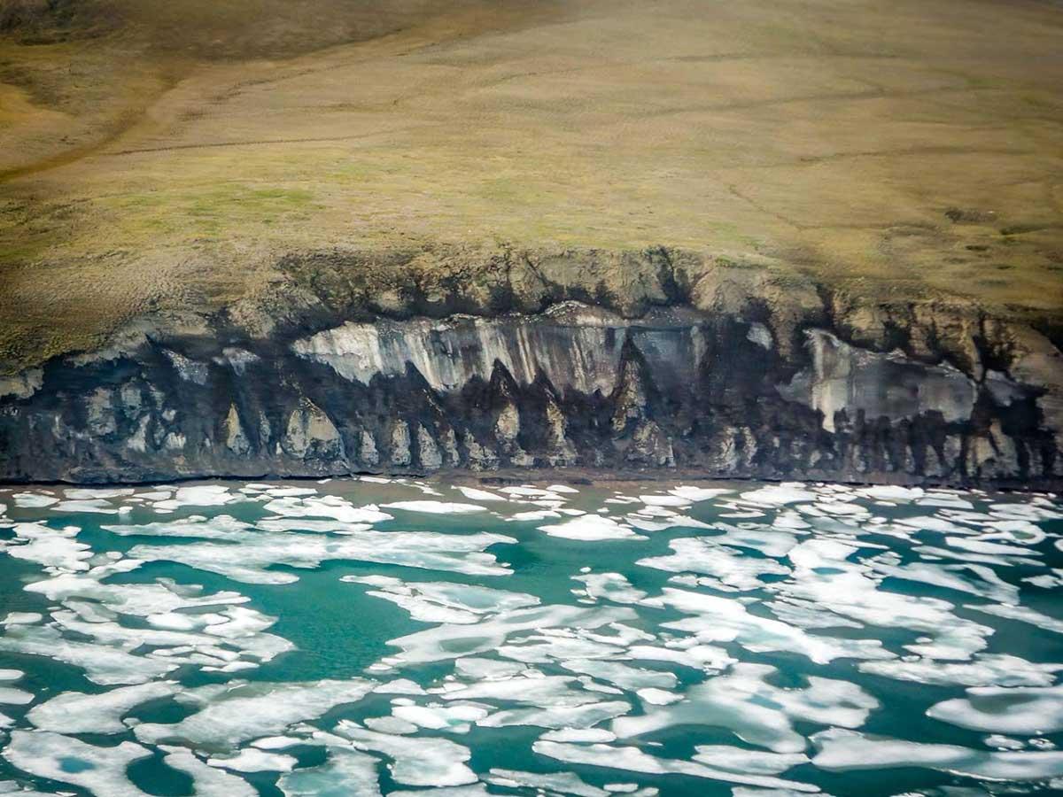گاز های گلخانه ای مانند زامبی در یخ های زیر اقیانوس منجمد شمالی کمین کرده است.