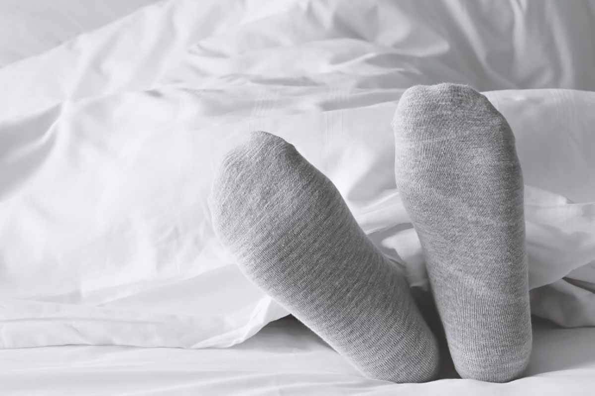 خواب راحت شبانه با پوشیدن جوراب