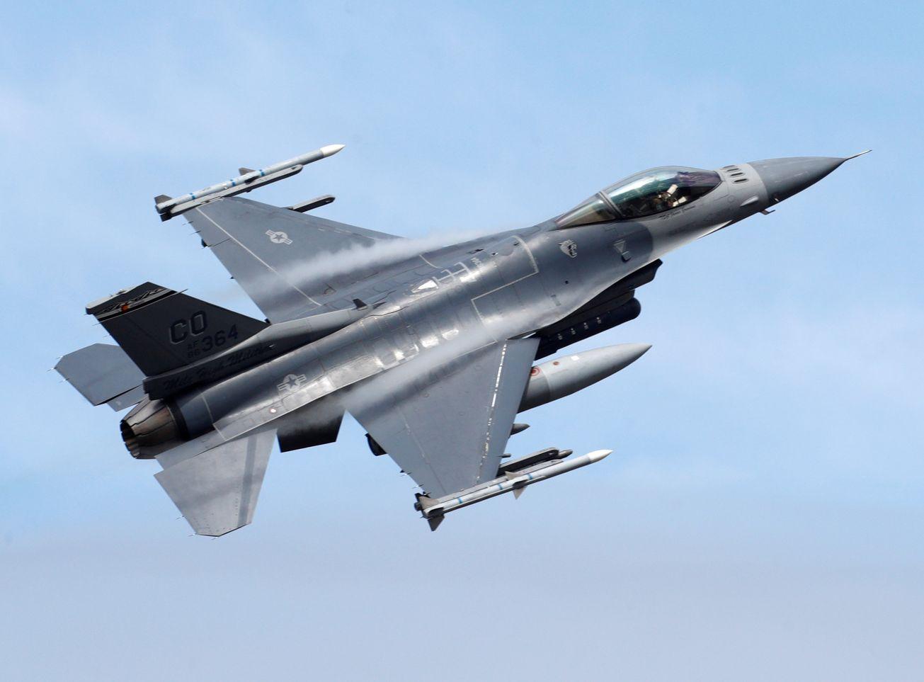 جنگنده F-16