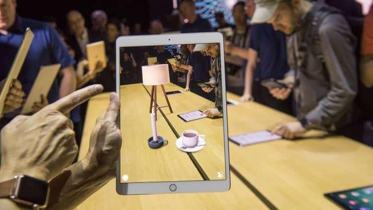 استفاده از ابزار واقعیت افزوده ARkit بر روی آیپد پرو اپل