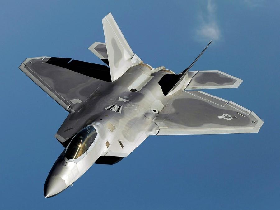 ده جنگنده گران قیمت جهان - F-22
