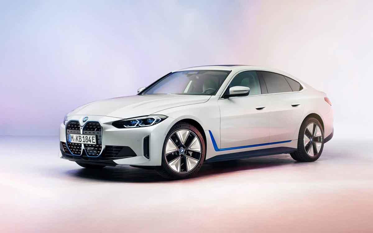 بی ام دبلیو i4 خودرو الکتریکی سری ۴ رسما رونمایی شد