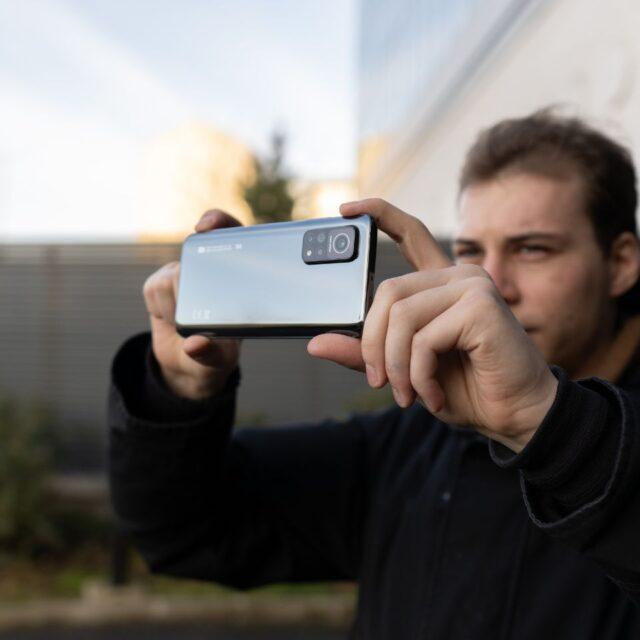 امتیاز دوربین سلفی می ١٠تی پرو